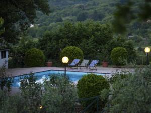 agriturismo-casale-le-crete-piscina